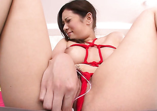 Milf Yui Kasuga makes a arrivisme of never-ending Hawkshaw sucking a reality