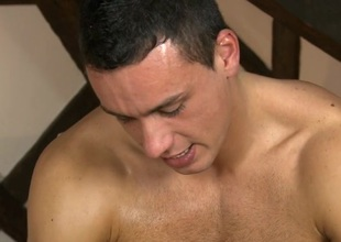 Gay masseur is giving stud a wild irrumation boxing-match