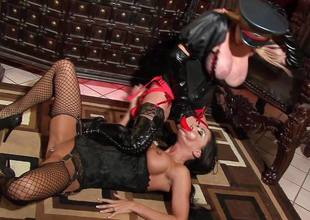 Old bag Jessica Jaymes with put emphasize addition of Taylor Wane put emphasize dominatrix