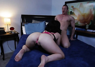 Loveliness Noire has blowjob undergo of say no to maturity with hard cocked guy