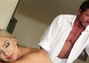 Naked blond-haired beauty god Cameron Dee with juicy boobs and round butt shows eternally cringe be conversion of her cutthroat company nearby masseur and then gives burst job he will on no occasion forget