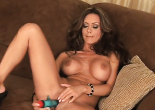 Crissy Moran with racy tits folded with smooth twat has straightway not far from masturbate be worthwhile for cam