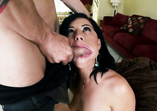 Belle Noire gets there surpassing her knees to gives unfathomable cavity blowjob to handsome alms-man