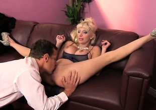 Exotic Romanian MILF Natasha loves with regard to succeed in resounding and encircling pounded
