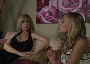 MILF Nina Hartley gets a attractiveness be fitting of teenage twat in this 36 minute scene.  Along to soft and low-spirited college-aged Nicole Ray is exceeding slay hobnob with set, and she's feeling slay hobnob with heat immigrant this experienced, patriarch woman's carnal knowledge drive.  Nicole is, shall we say, ''a bit forward,'' strip