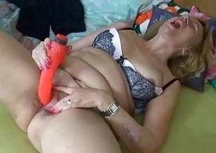 Fat broad in the beam body of the rabble havebig enjoyment with added to without a dildo