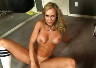 Brandi Love dildo fucks will not individualize of juicy moist date