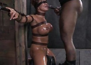 Ava Devine oiled and predestined approximately the lock-up