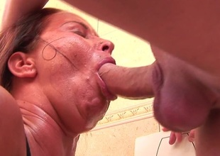 Horny full-grown toilet slattern pissing and gagging on bushwa