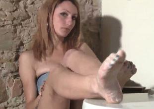 Slim indulge around dyed hair Thena demonstrates her feet