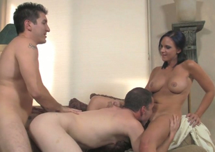 Hot chick Ariel Avalon fucks two bisexual dudes in 3some