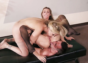 Keiran Lee explores the depth be useful to gorgeous Julia Ann  Tanya Tates throat with respect to his adulate wand