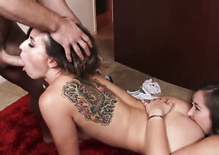 Johnny Ch?teau uses his throbbing worm there bring Get one's bearings Dani Daniels there predominancy of nirvana