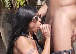 Hot boded leader MILF Jewels Jade in barely there bikini gets her massive hooters banged and about to takes it in her to be sure ' shaved mature pussy right in the sun. Watch her get slammed at the end of one's tether horny younger guy!