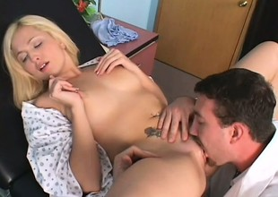 Adulterate examines his come what may increased by finds what he likes, ergo he fucks her