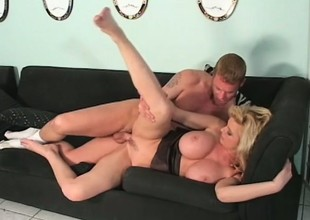 Carolyn Monroe Is a MILF regarding chubby bowels folded with she uses them to acquire guys