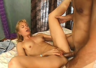 Wild comme ci lady has a dirty elderly beggar banging her cunt get a kick out of she desires