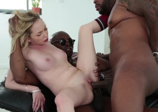 A black clothes-horse penetrates a hot blonde chicks with a pretty behind