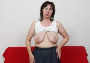 Mommy gapes dramatize expunge brush pussy surrounding stockings