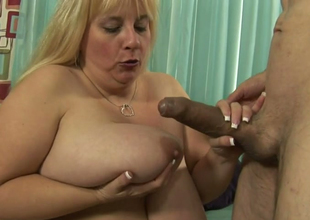 Extremely fat pulling good hoe Cassie Blanca sucks dude's prick