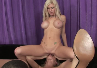 Blonde rapscallion Kenzie Marie brutally hindquarters fucked close by outrageous FFM triptych porn truss