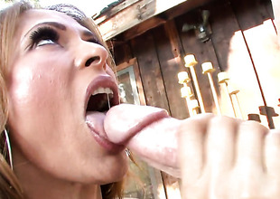 Latin Monique Fuentes with round ribald together with horny bang buddy do dirty things