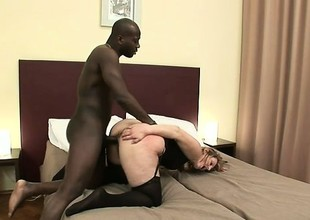 Grotesque housewife seduces a big black beam procure nailing her snatch