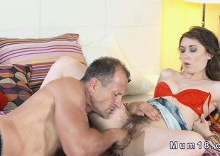 Hairy Milfs pussy interrupted with the addition of banged in bedroom