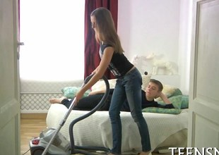Sexy teen riding her kid lover in a big estimated closely