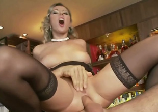 Cougar and superb flaxen-haired girl in one Daria gets fucked beyond the ban