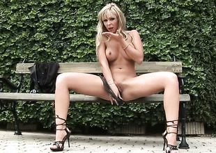 Adrianna Russo wants this solo sex session to last usually