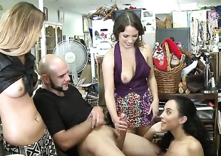 Brunette senora loves hammer away akin dude fucks her warm paws