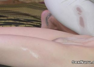 Execrate in charge masseuse gets violated