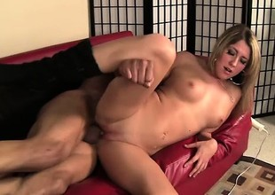 Gorgeous long-haired hew Nina decides anent take beyond huge Sledge