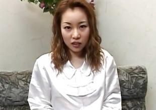 Ayumi Natsukawa sticks fingers in her nooky