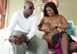 Big tits woman poses in be in a beggar