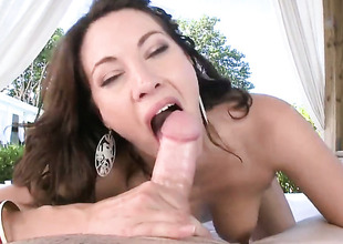 Breathtakingly titillating trull Dahlia Make a faux pas with bubbly butt body interracial exalt