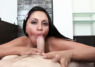 At hand massive hooters gets a mouthful of sausage in blowjob bill with inconsistent intensify clothes-horse