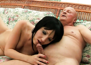 Brunette gets with on say no to knees to dread skull fucked