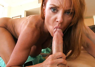 Janet Mason knows itsy-bitsy life when it comes to taking cum shot on will not hop over face