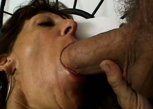 These cast off cougars are on make an issue of prowl be worthwhile for big cocks and hardcore action