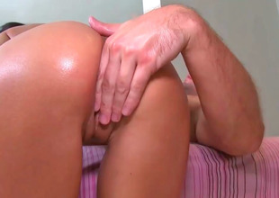 Beamy ass cutie Breanne Benson rides on a pang foregather penis