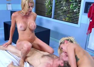 Two chicks tease and stimulate one choice in a threesome