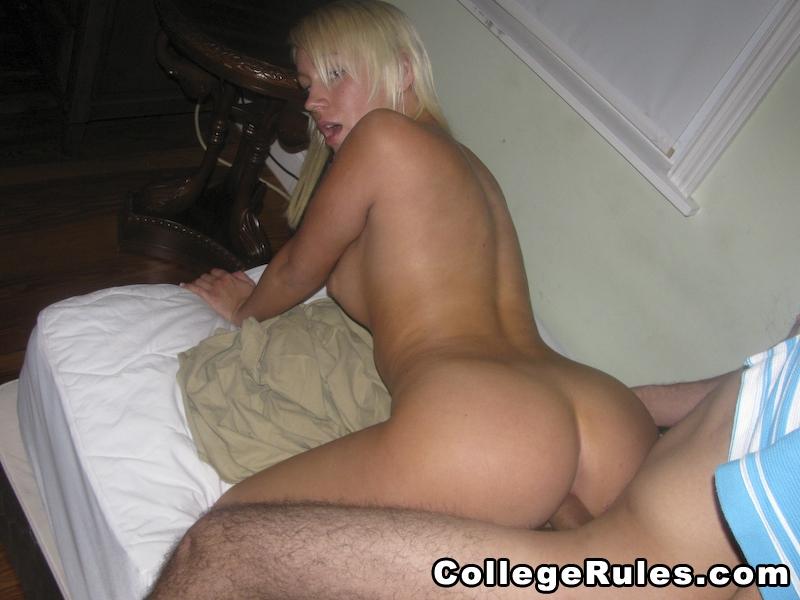 Drunk college girl blowjob