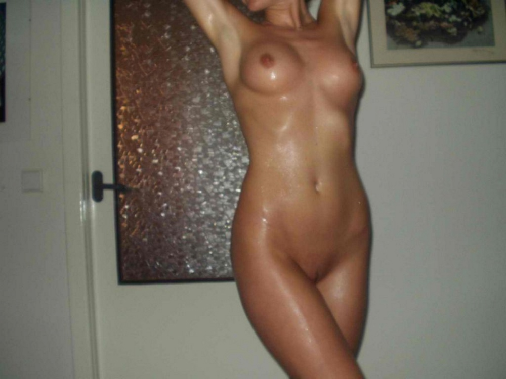 Amateur Nude Camera Phone Pictures